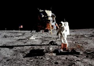 Moon_Landing (1).jpg